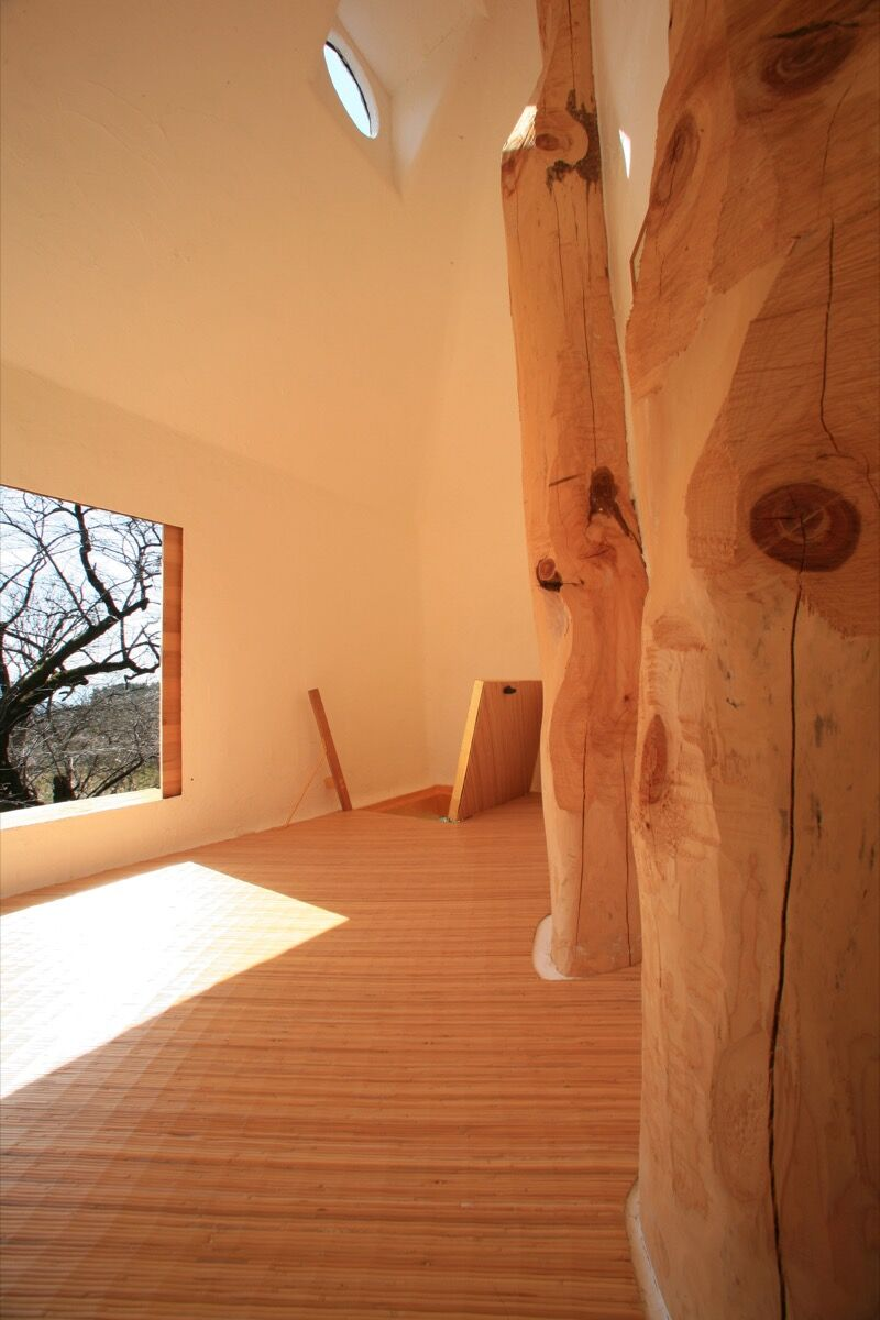 Interior, Teahouse Tetsu by Terunobu Fujimori. Photo by Dana + LeRoy, via Flickr.