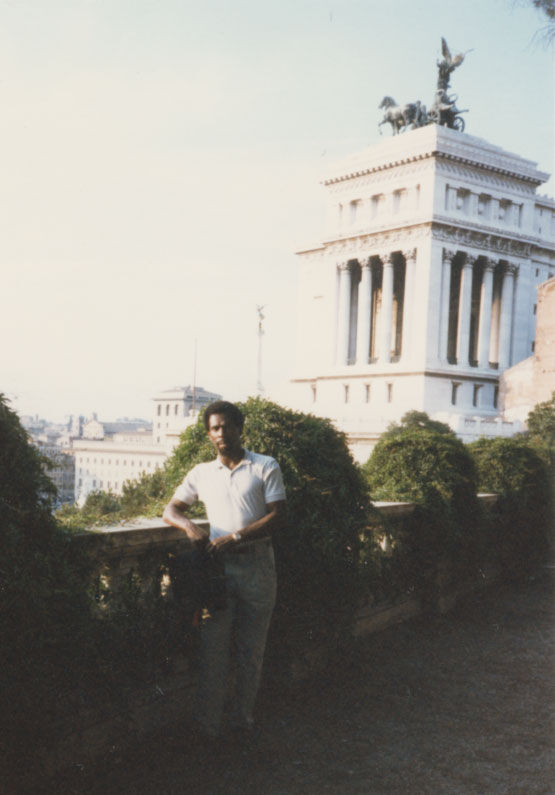 Portrait of Charles Gaines in Rome, 1985. Courtesy of the artist.