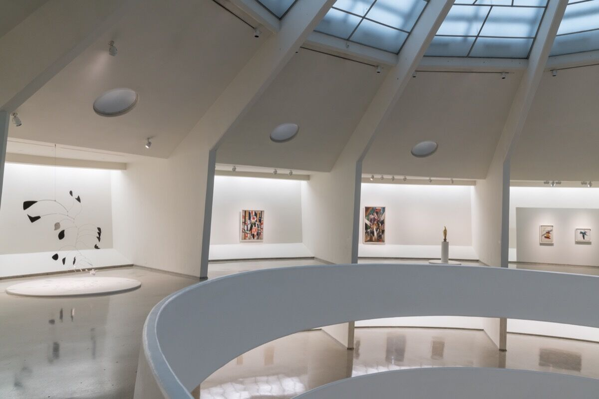 "Installation view of ""Visionaries: Creating a Modern Guggenheim."" Photo by David Heald. © Solomon R. Guggenheim Foundation, 2017."