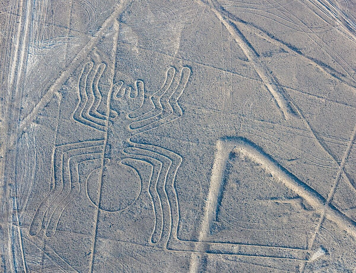 Nazca Lines. Image via Wikimedia Commons.