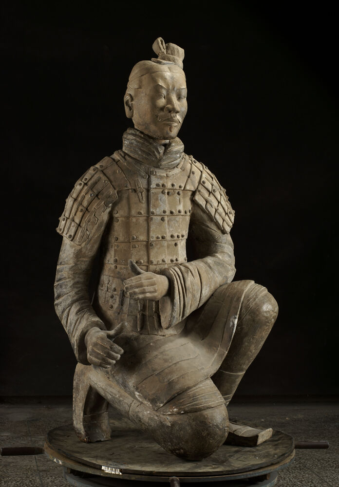 Kneeling Archer, Qin dynasty, 221-206 BC. Courtesy of the Cincinnati Art Museum.