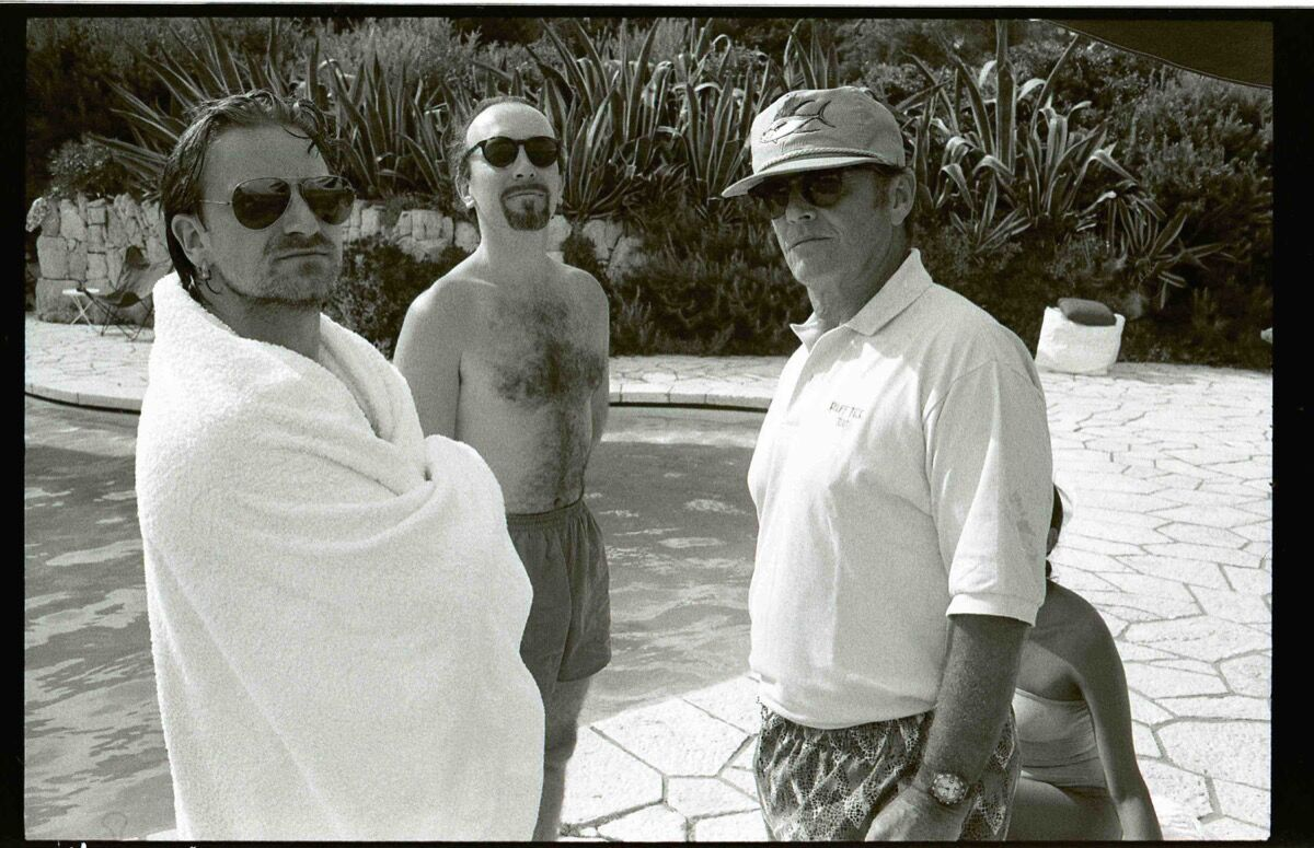 Jean Pigozzi, Bono, Edge, and Jack Nicholson, 1994. Courtesy of Galerie Gmurzynska.