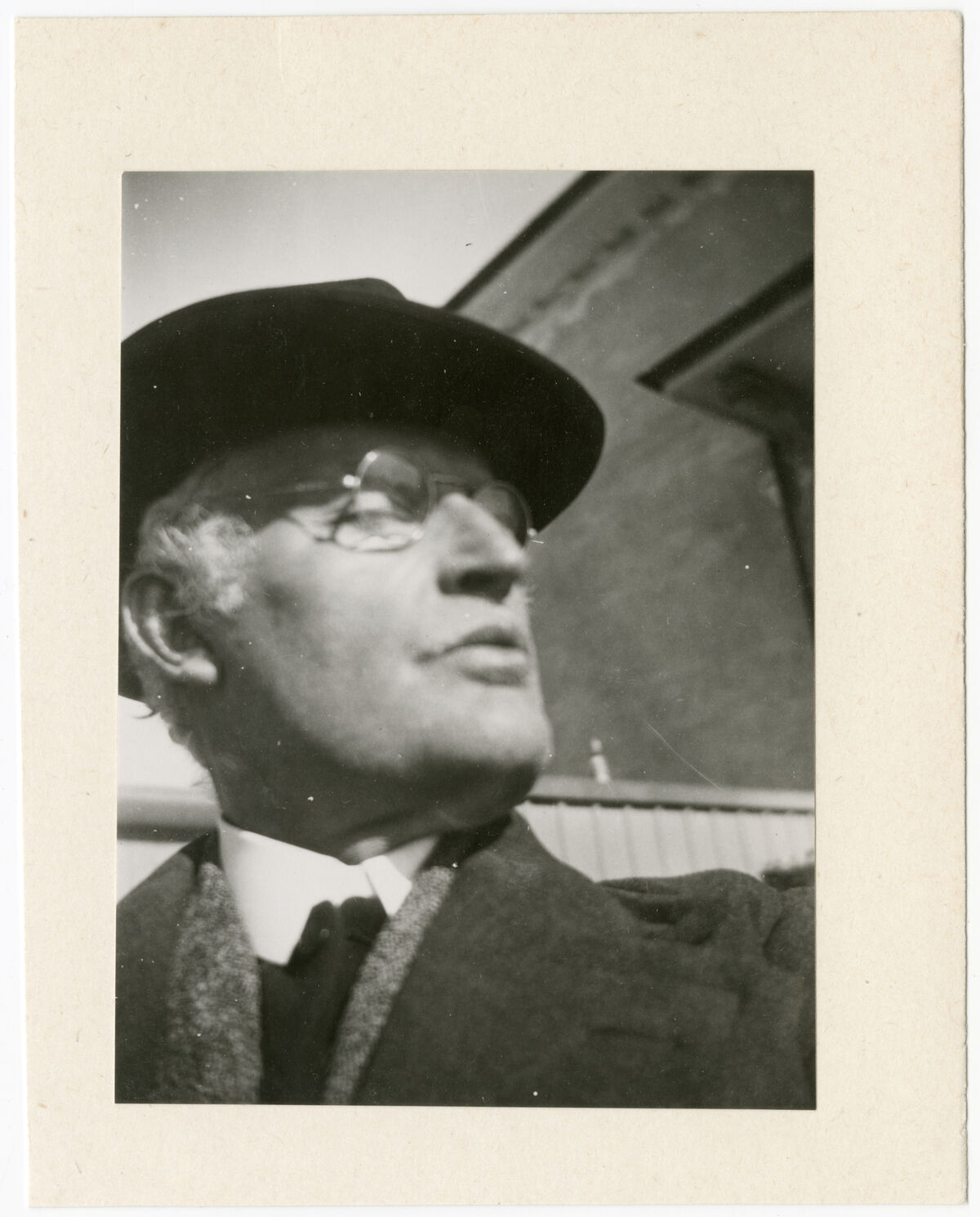 Edvard MunchSelf Portrait with Hat Outside the Winter Studio at Ekely, 1930. © Munchmuseet.