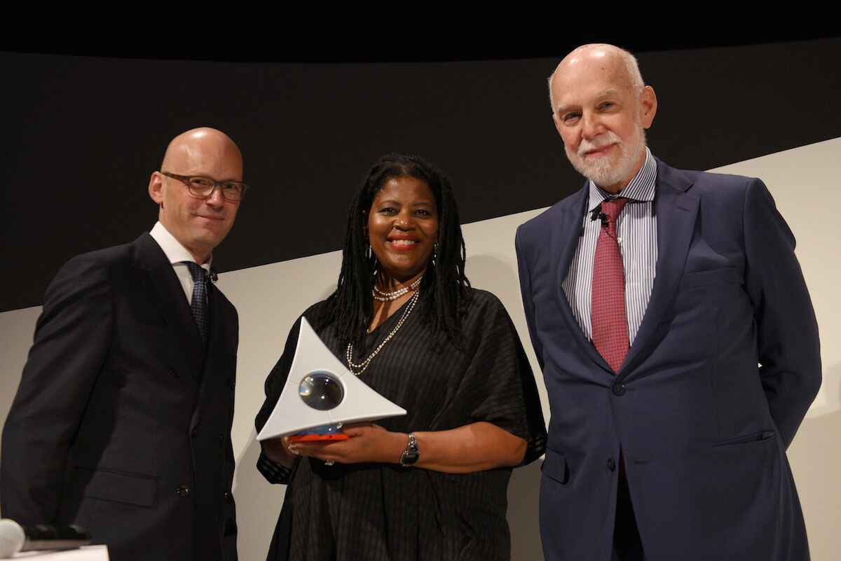 Hugo Boss CEO Mark Langer, artist Simone Leigh, and Guggenheim Director Richard Armstong at the Hugo Boss Prize ceremony on October 18th, 2018. Photo