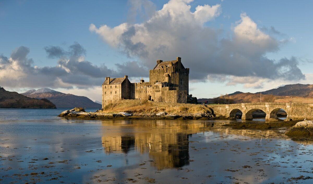 Eilean Donan, Scotland. Photo via Wikimedia Commons.
