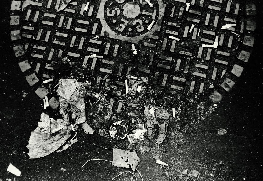 Walker Evans, Street Debris, New York City, 1968. © Walker Evans Archive, The Metropolitan Museum of Art, New York. Courtesy of SFMOMA.
