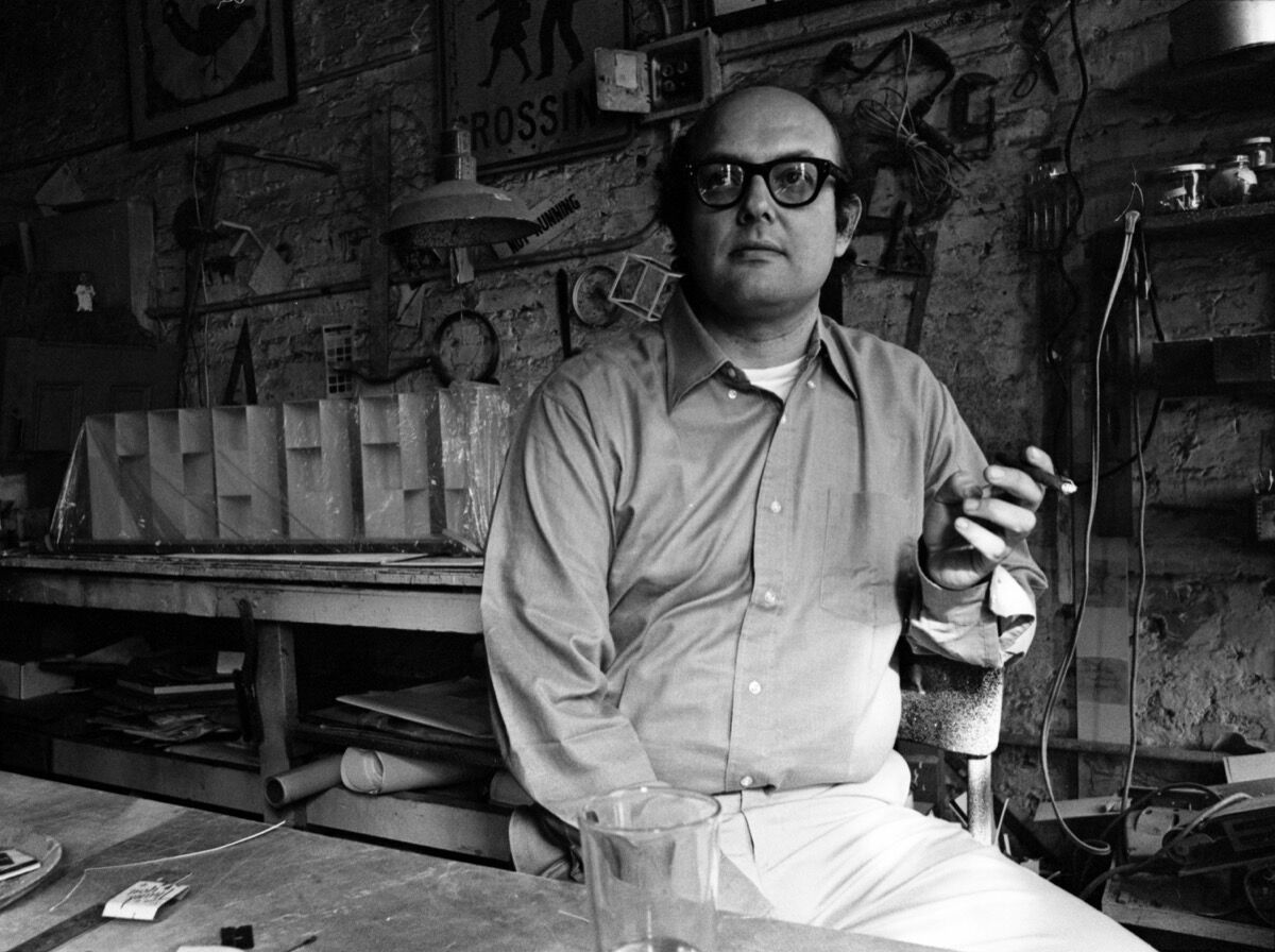 Portrait of American artist Sol LeWitt, New York, New York, August 1969. Photo by Jack Robinson/Hulton Archive/Getty Images.