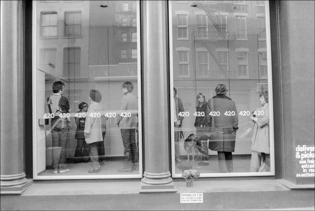 Gallery Goers At 420 West Broadway In Soho. Photo by Allan Tannenbaum, via Getty Images.