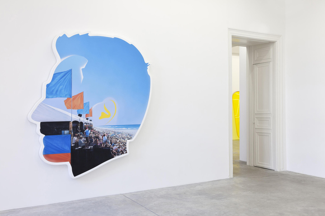 "Alex Israel, View of the exhibition ""SUMMER,"" Almine Rech Gallery, Paris. © Alex Israel. Photo: Zarko Vijatovic. Courtesy of the artist and Almine Rech Gallery."