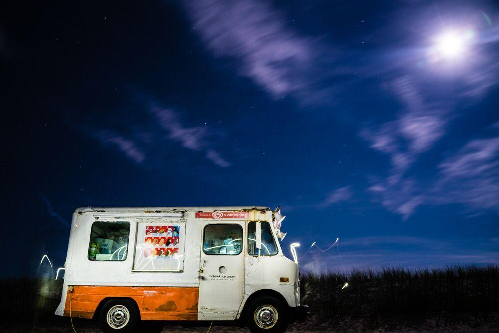 Joey Farrell, Ice Cream Truck, 2018. Courtesy of Gary Edwards Gallery.