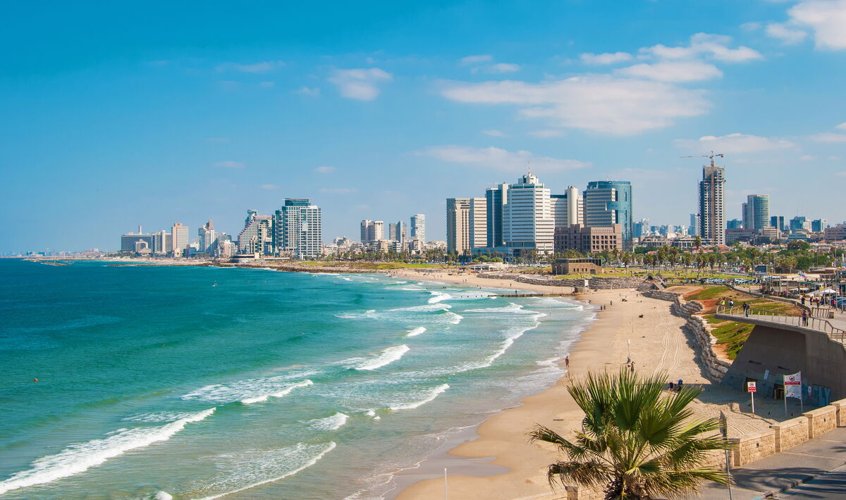 View of the waterfront and beaches of Tel Aviv. Photo © Adobe Stock / allegro60.