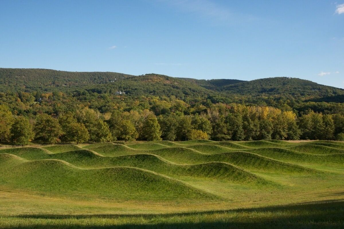 Maya Lin, Storm King Wavefield, 2007-2008. Image courtesy of Storm King Art Center.
