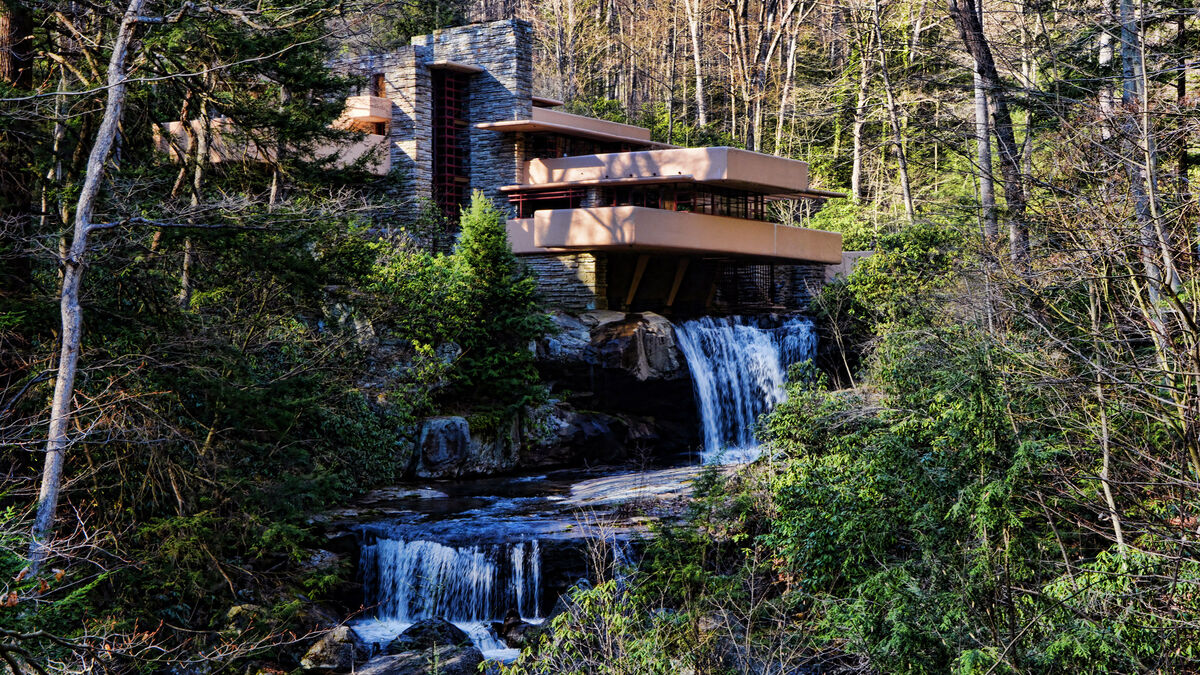 Frank Lloyd Wright, Fallingwater House. Photo by Mariano Mantel, via Flickr.