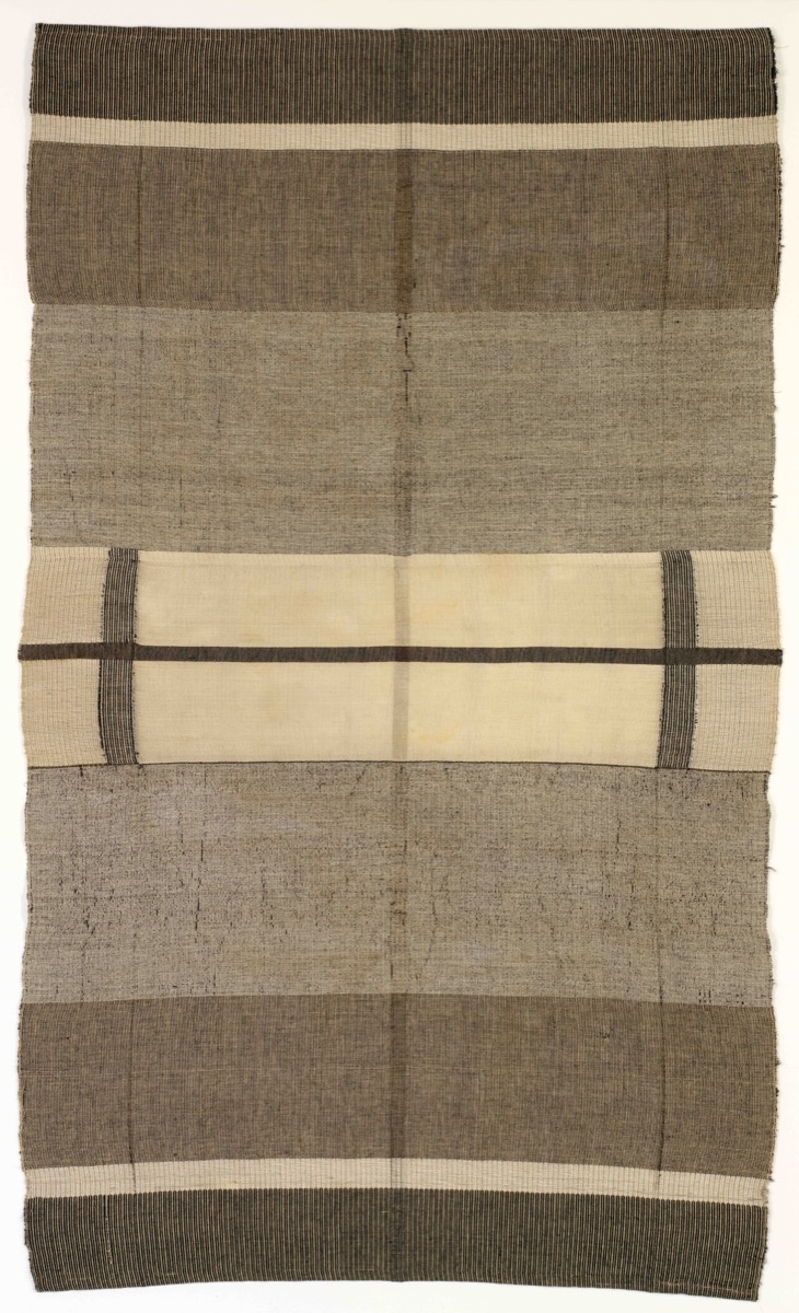 Anni Albers, Wallhanging, 1924. © 2017 The Josef and Anni Albers Foundation / Artists Rights Society (ARS), New York. Courtesy of Guggenheim Museum Bilbao.