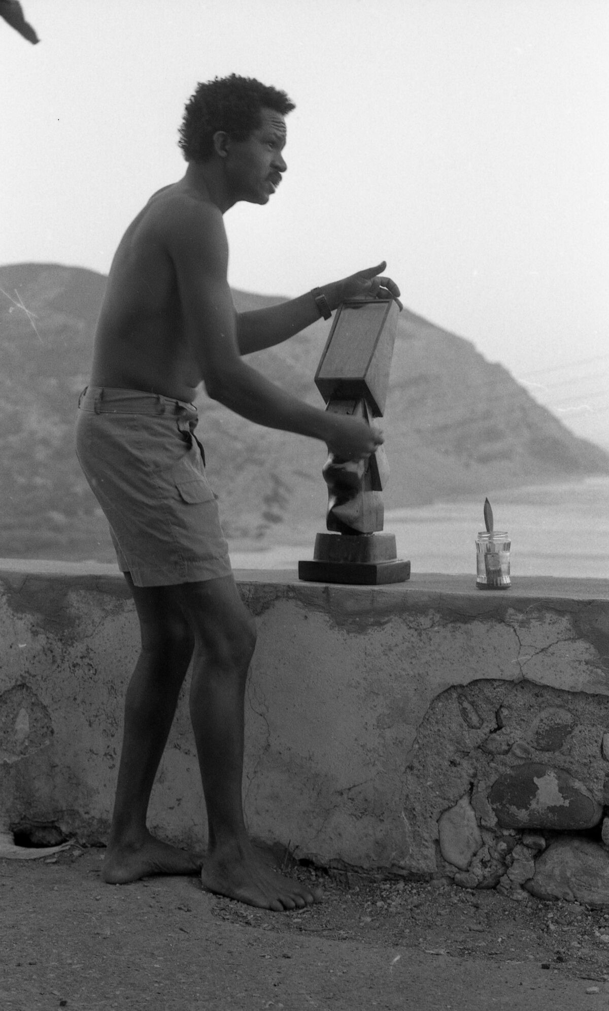 Jack Whitten withThe Guardian I, for Mary, Crete, 1983 or later. Photo by Paul Viani. Courtesy of the artist's estate, Hauser & Wirth, and the Baltimore Museum of Art.