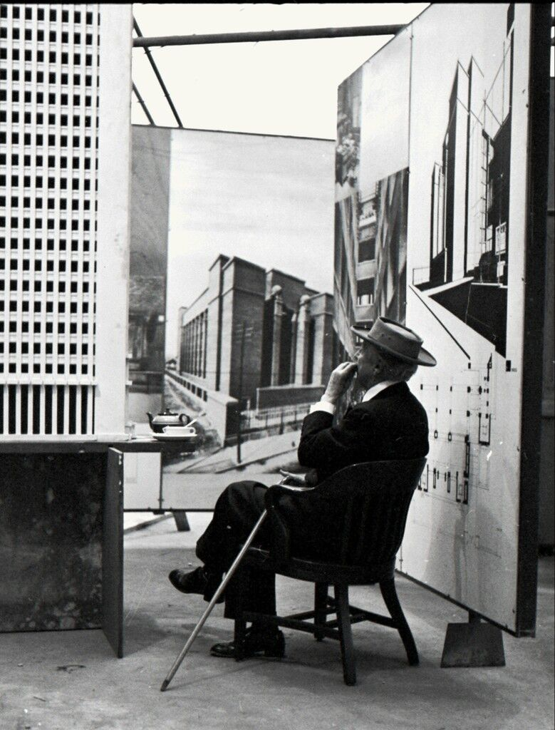 Frank Lloyd Wright, Tea Break, Guggenheim Pavilion, New York, NY