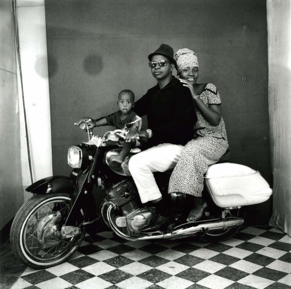 Toute la famille en moto