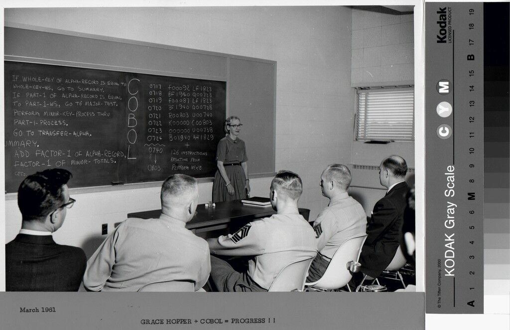 Grace Hopper Teaching Cobol