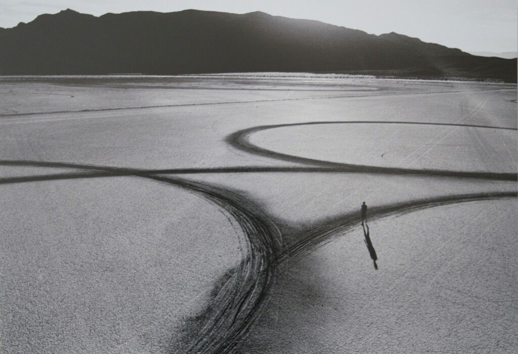 Michael Heizer: Circular surface planar displacement drawing