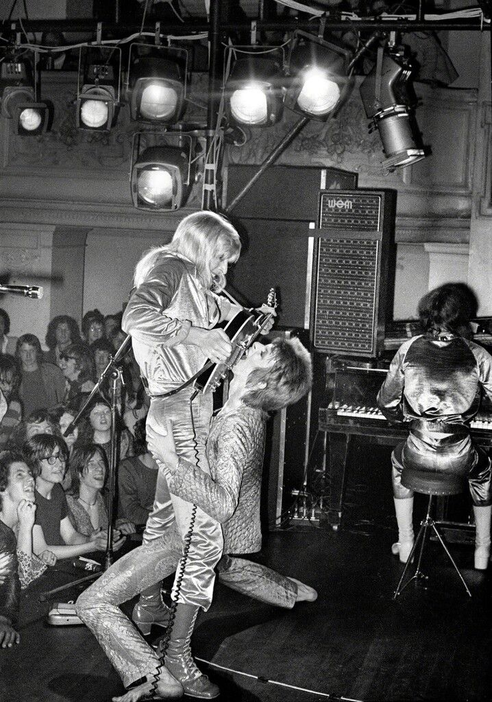 Bowie Ronson Guitar Fellatio