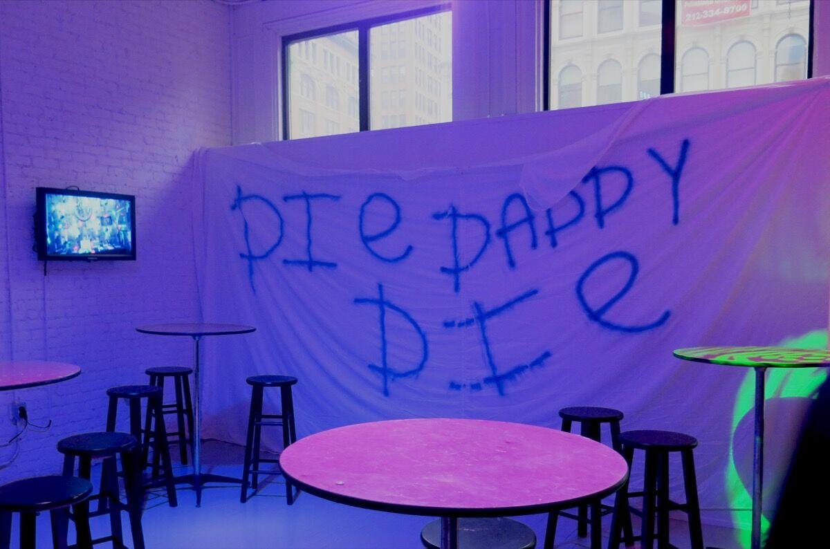 Hannah Quinlan & Rosie Hastings, Die Daddy Die, @Gaybar. Courtesy of Arcadia Missa, March 2017.