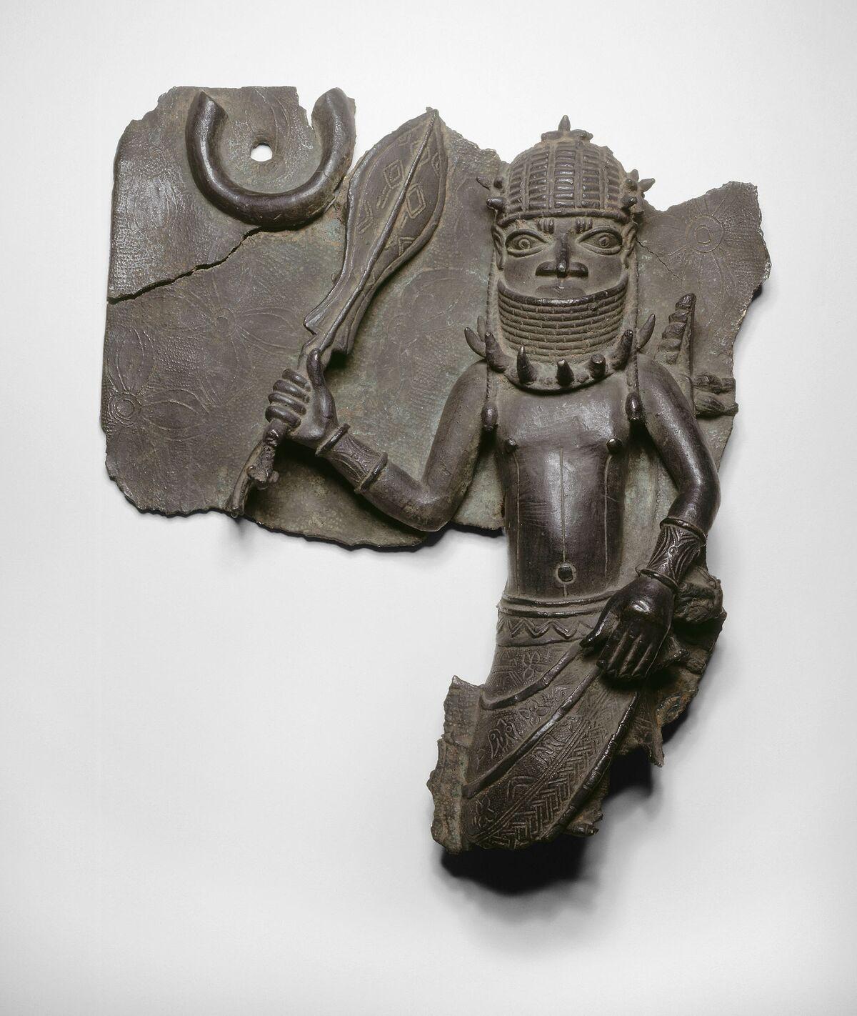 Plaque, Edo, Kingdom of Benin, Nigeria, 1501–1700. Courtesy of The Art Institute of Chicago.