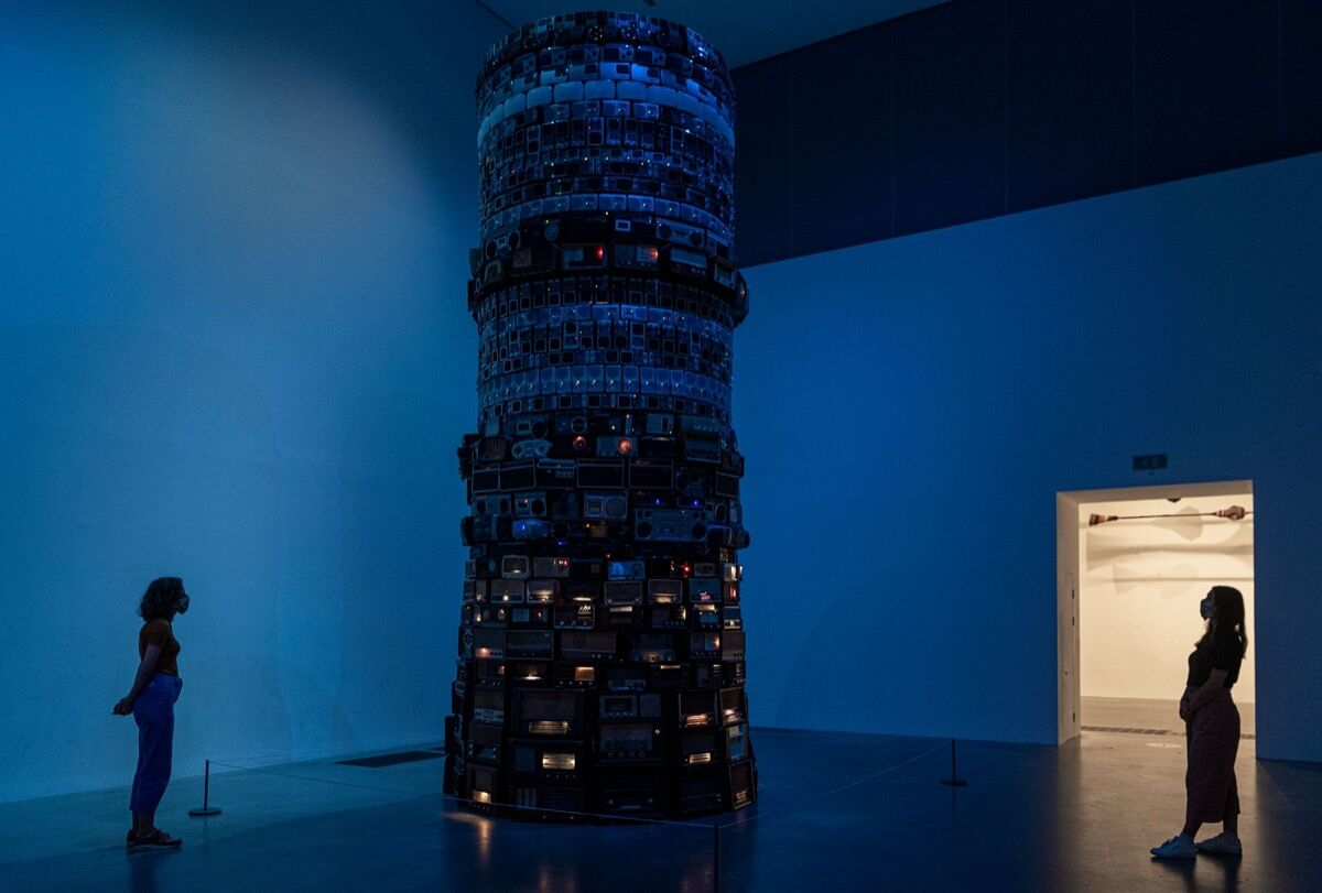 Cildo Meireles, installation view of Babel, 2001, at Tate Modern, 2020. Courtesy of Tate Galleries.