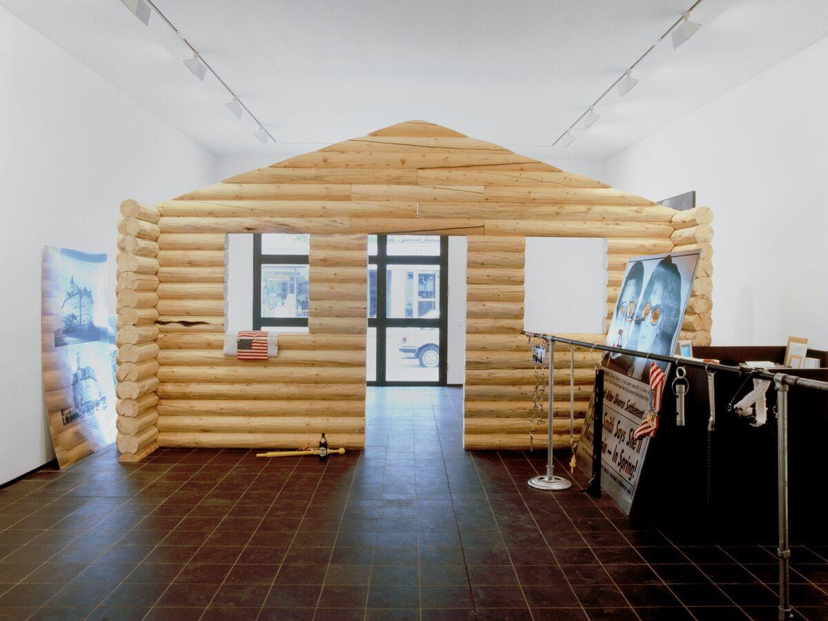 Cady Noland, Log Cabin, 1990.