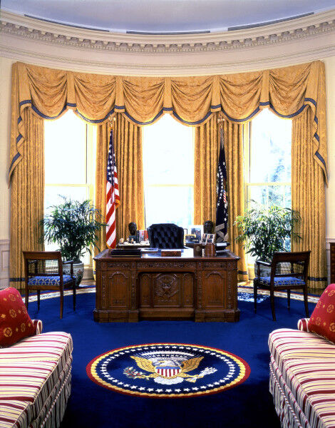 The Oval Office during the administration of Bill Clinton. Courtesy of the White House Historical Association.