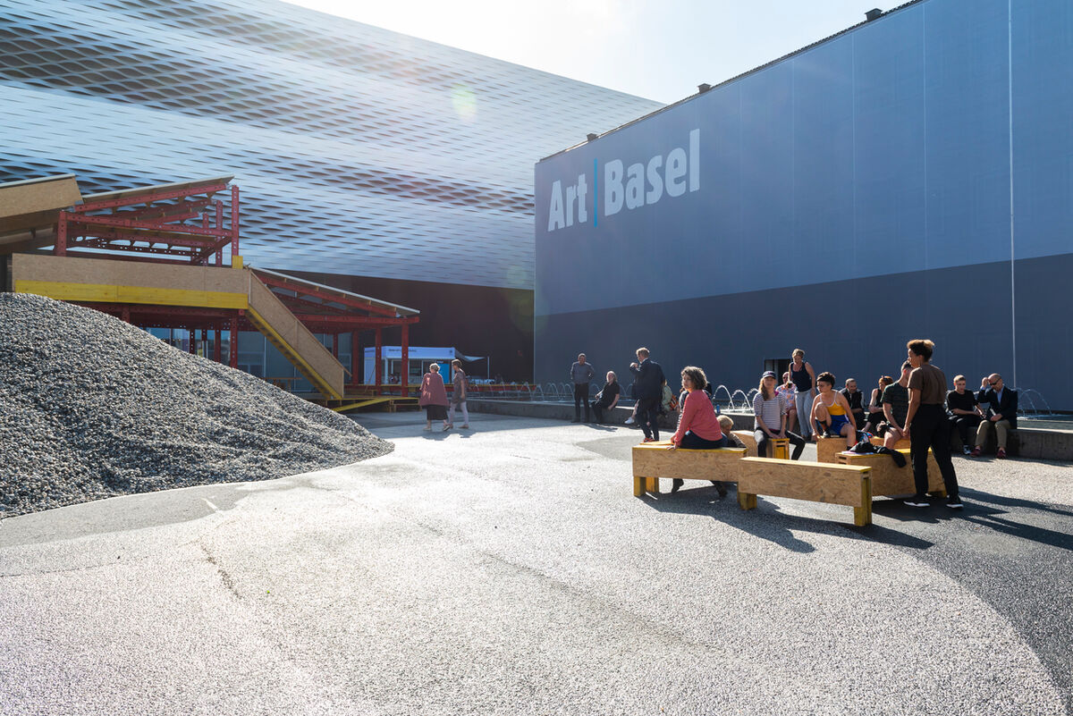 Art Basel's marquee fair in 2018. Courtesy Art Basel.