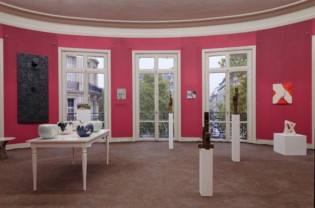 Installation view ofSultana andPraz Delavalladeat Paris Internationale, 2015. Photo byAurélien Mole,courtesy ofParis Internationale.
