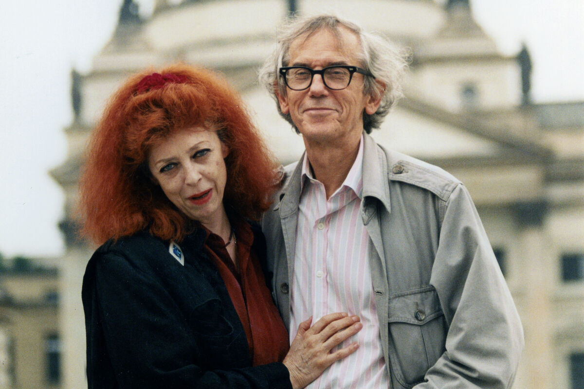 Jeanne-Claude and Christo, 1996. Photo by Weychardt/ullstein bild via Getty Images.