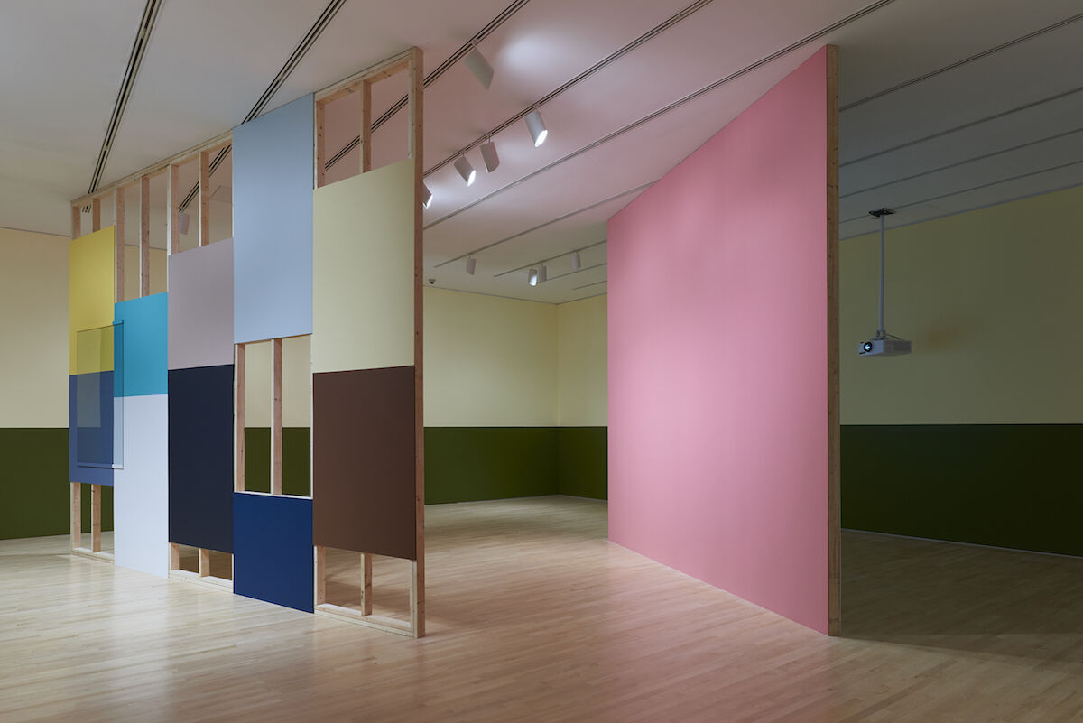 Kapwani Kiwanga, Simple Enclosure, 2018 Installation view, 2018 Sobey Art Award exhibition at the National Gallery of Canada, paint, wood, glass, and drywall. Courtesy of the artist, photo © NGC, Ottawa.