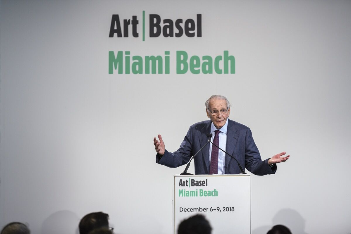 Norman Braman speaking at Art Basel in Miami Beach. Courtesy of Art Basel.