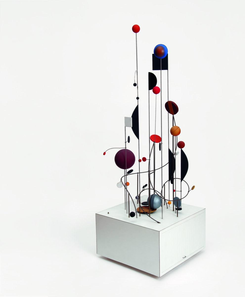 Abraham Palatnik, Objeto cinético CK-8 (Kinetic Object), 1966 / 2005. Courtesy of Nara Roesler Gallery.