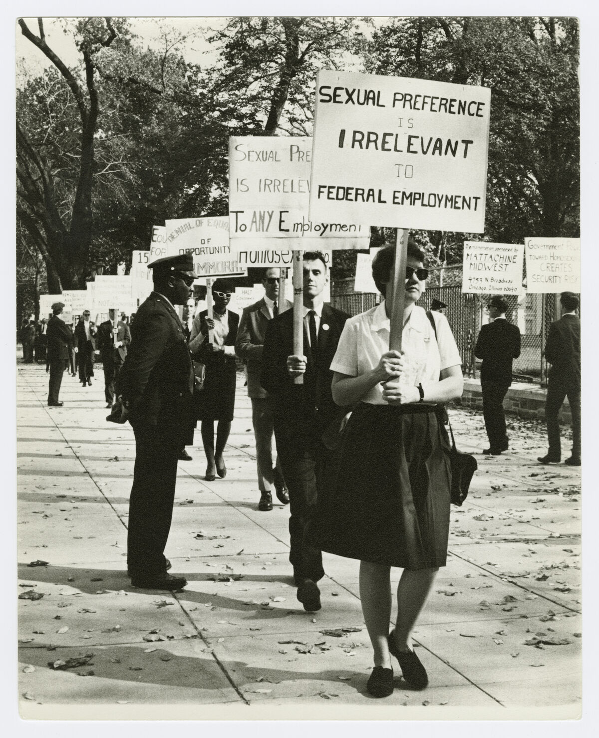 Kay Tobin Lahusen, Barbara Gittings at Third White House picket, 1965. Courtesy of New York Public Library, Manuscripts and Archives Division.