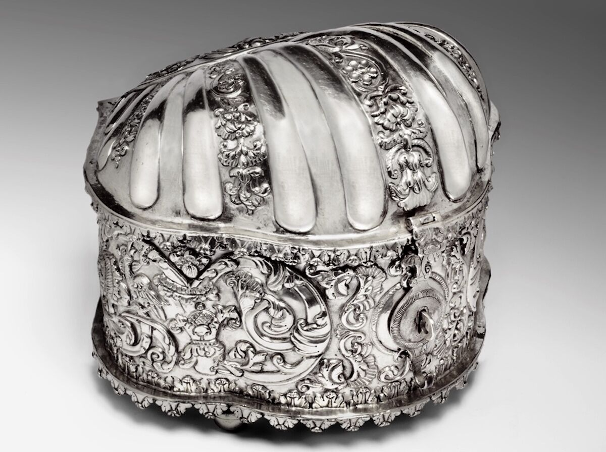 Unknown artist, Coquera (coca box), Bolivian, c. 1730, silver. Courtesy the Blanton Museum of Art, The University of Texas at Austin.