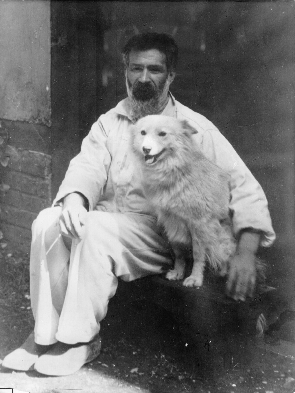 Constantin Brancusi with his dog Polaire, 192. Photo by ullstein bild/ullstein bild via Getty Images.