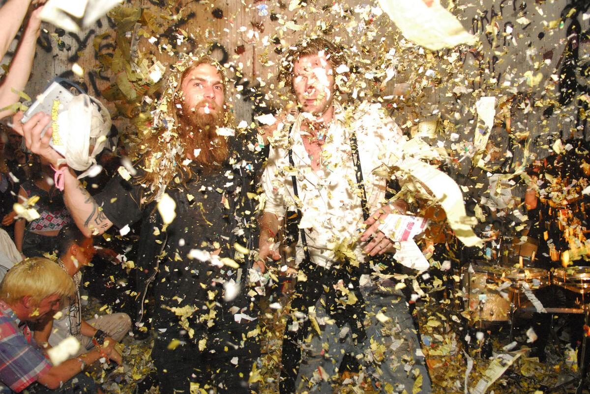 Dash Snow and Dan Colen, Nest at Deitch Projects, New York, 2007. Courtesy of Jeffrey Deitch.