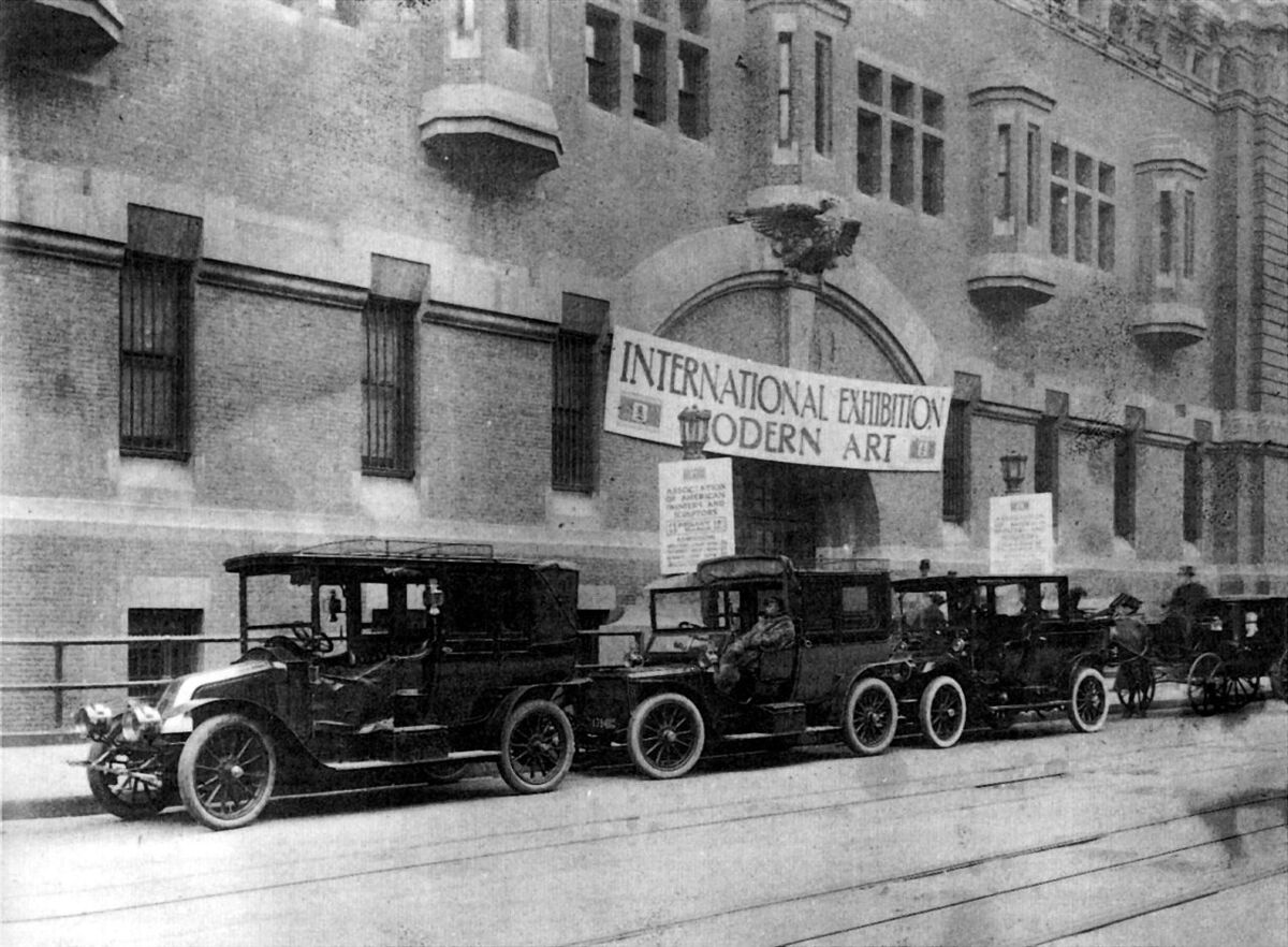 Armory Show, 69th Regiment Armory, New York City, 1913. Image via Wikimedia Commons.