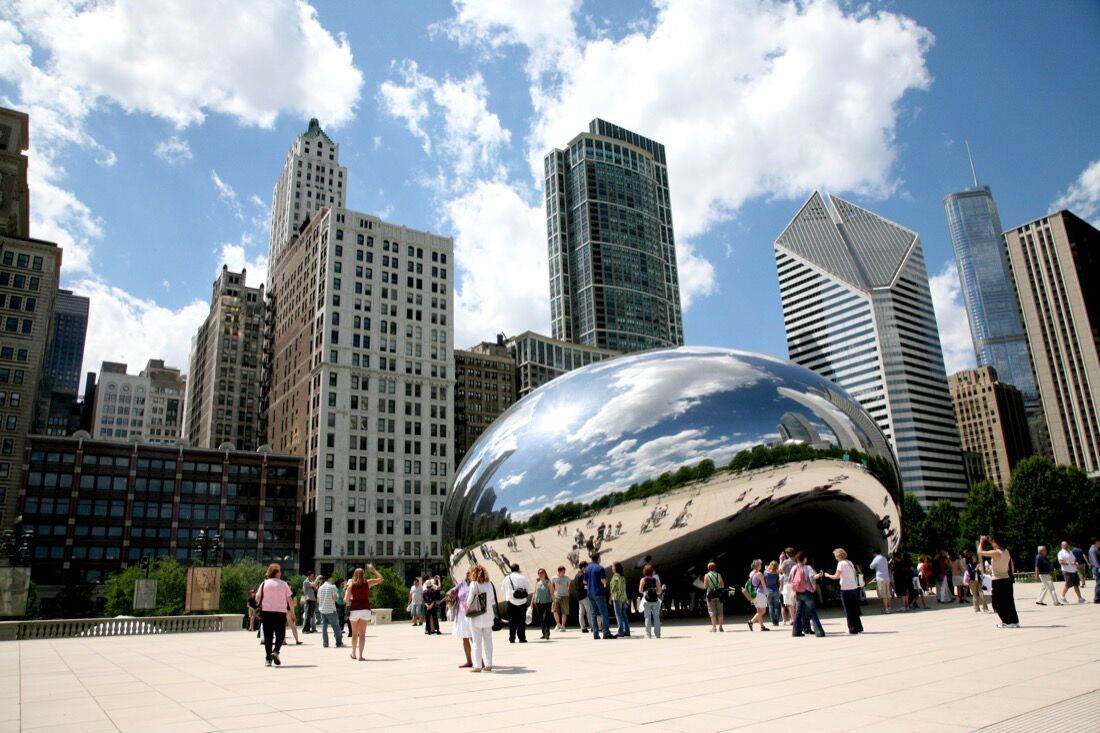 Anish Kapoor's Cloud Gate (2006), Millennium Park, Chicago. Photo courtesy Vincent Desjardins, Flickr.