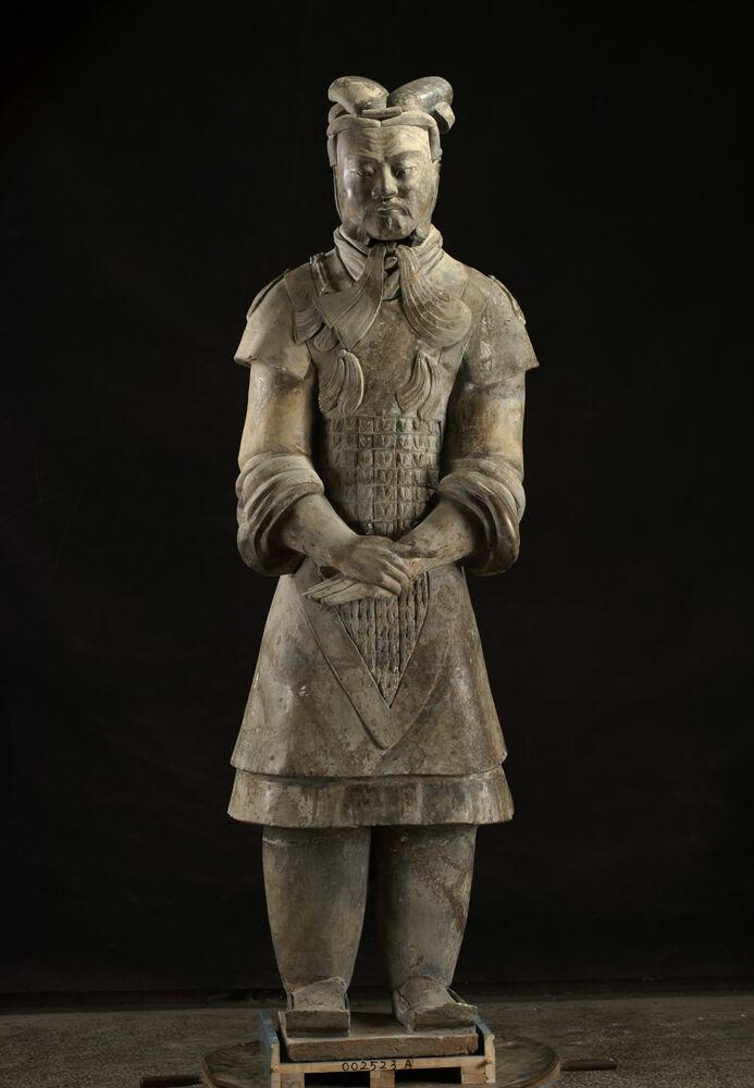 General acorazado, dinastía Qin, 221-206 aC  Cortesía del Museo de Arte de Cincinnati.