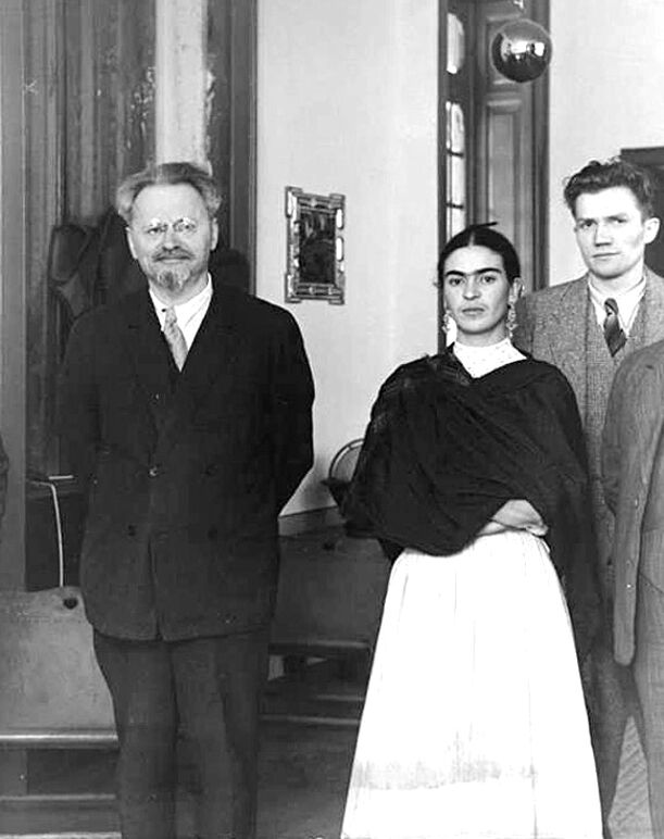 Friday Kahlo and Leon Trotsky in Mexico, 1937. Image via Wikimedia Commons.