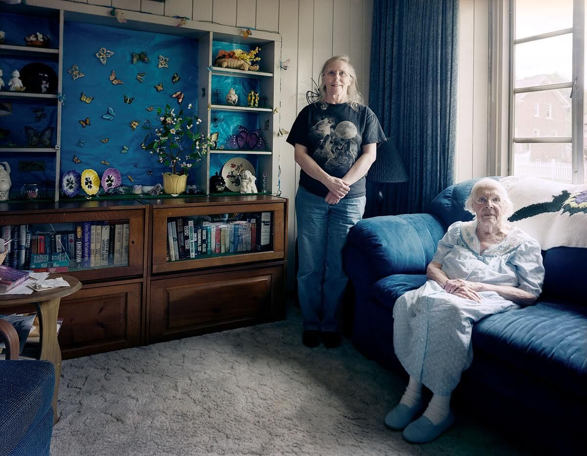 """Chuck Mintz, Clementine and Anita, Oak Park, MI, from the series """"Lustron Stories,"""" 2012-14. Courtesy of the artist."""