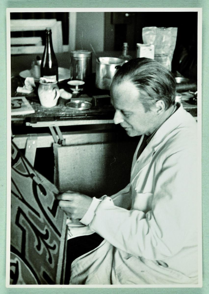 Paul Klee in his atelier, Bern, summer 1939. Photo by Felix Klee. © Klee-Nachlassverwaltung, Hinterkappelen. Courtesy of David Zwirner.