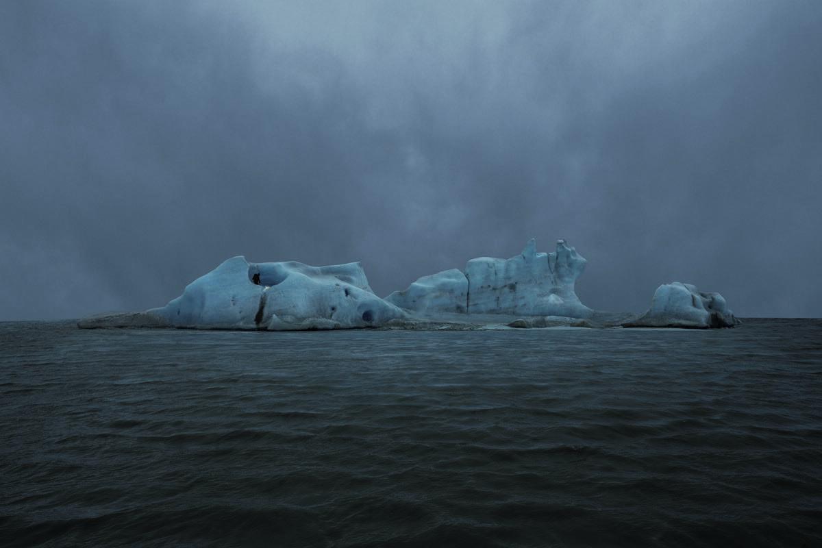 Julian Charrière, The Blue Fossil Entropic Stories (2), 2013. Courtesy DITTRICH & SCHLECHTRIEM, Berlin.