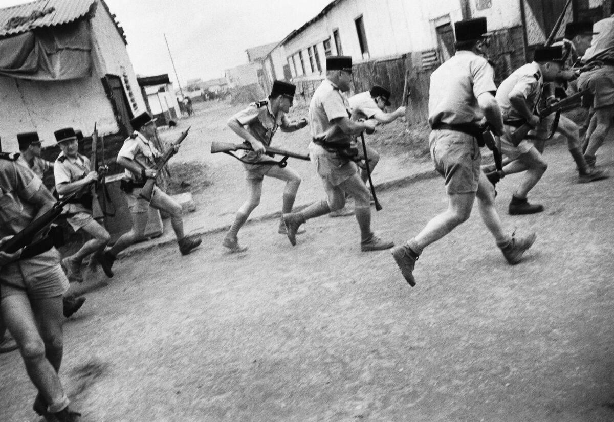 Priya Ramrakha, French soldiers battle rioters during the French Somaliland independence referendum,  1967. © Priya Ramrakha.