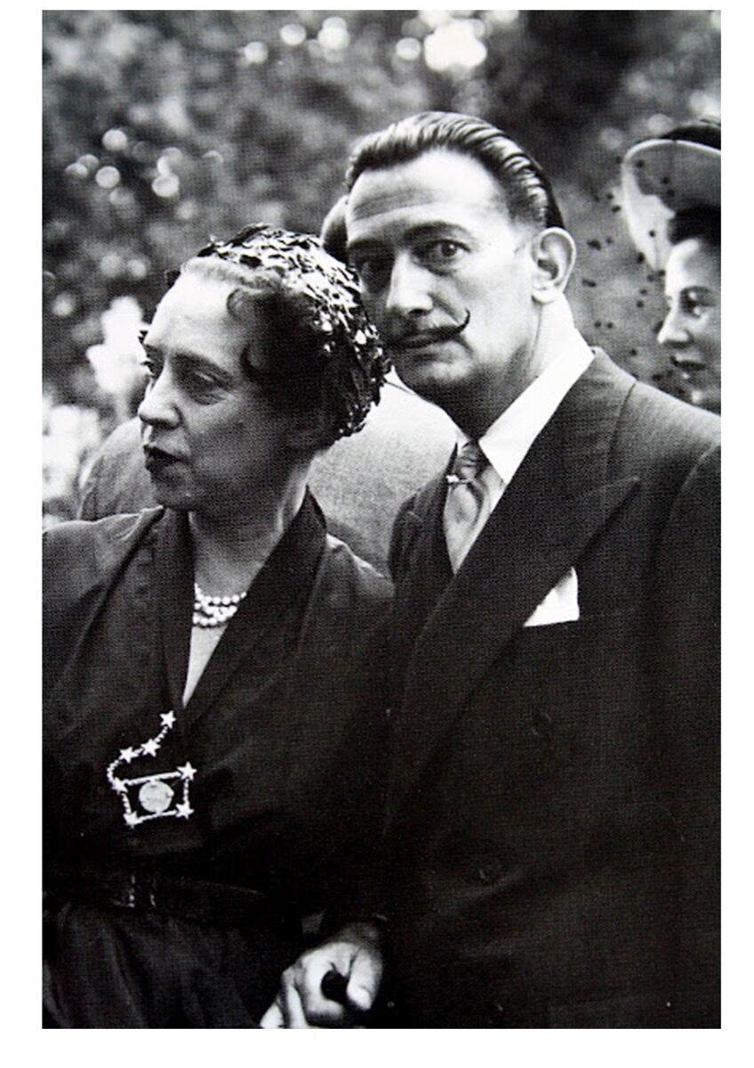 Elsa Schiaparelli and Salvador Dalí, ca. 1949. Image rights of Salvador Dalí reserved. Fundacio Gala-Salvador Dalí, Figueres, 2017.