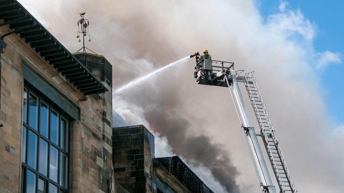 The fire at the Glasgow School of Art in 2015. Photo by Prydey1988, via Wikimedia Commons.