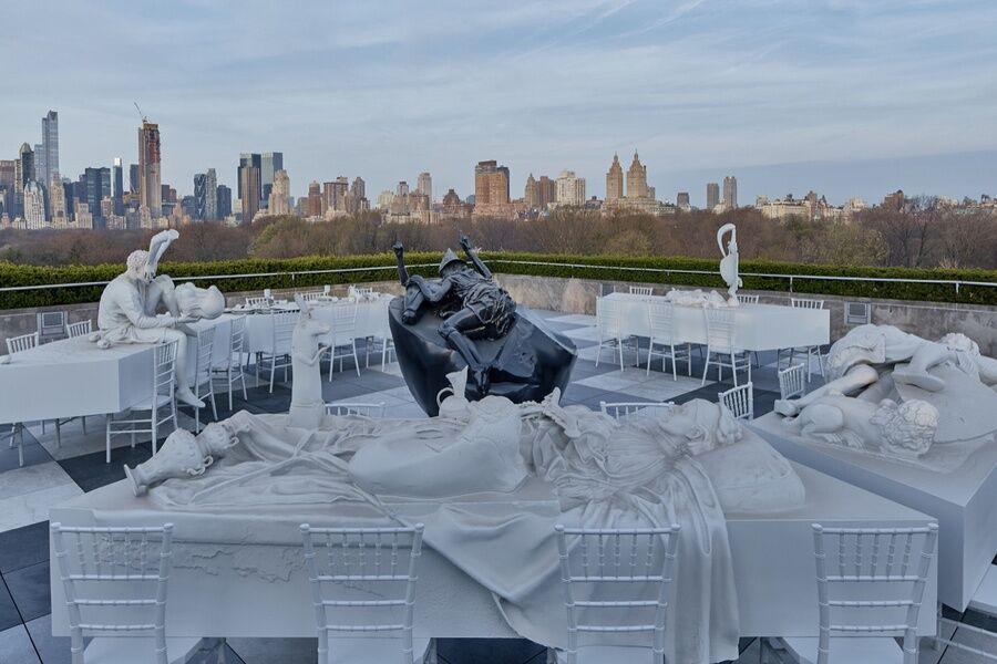 Adrián Villar Rojas, The Roof Garden Commission: Adrián Villar Rojas, The Theater of Disappearance, Installation view, The Metropolitan Museum of Art, 2017. Courtesy of the artist; Marian Goodman Gallery; and Kurimanzutto, Mexico City. Photo by Jörg Baumann.